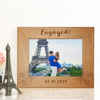 engagment gift idea for friend